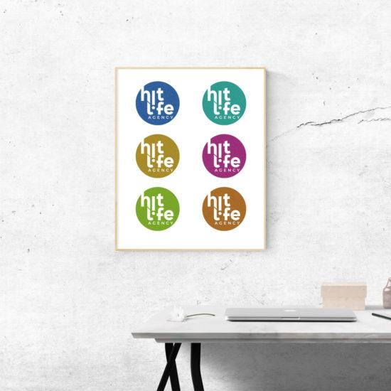 quadro__con_logo_hitlife_agency_su_muro__ufficio